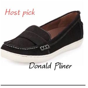 Donald Pliner black calf hair flat loafers  8.5 M